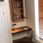 lodging-roland-desk